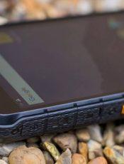 Защищенные смартфоны Leagoo xRover и AGM A10: какой выбрать?